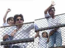 Shah Rukh Khan wishes his fans Eid Mubarak straight from Mannat