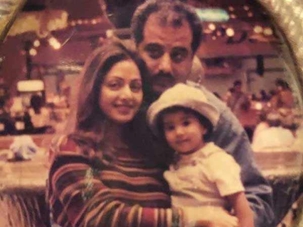 Janhvi Kapoor remembers mother Sridevi on her birth anniversary