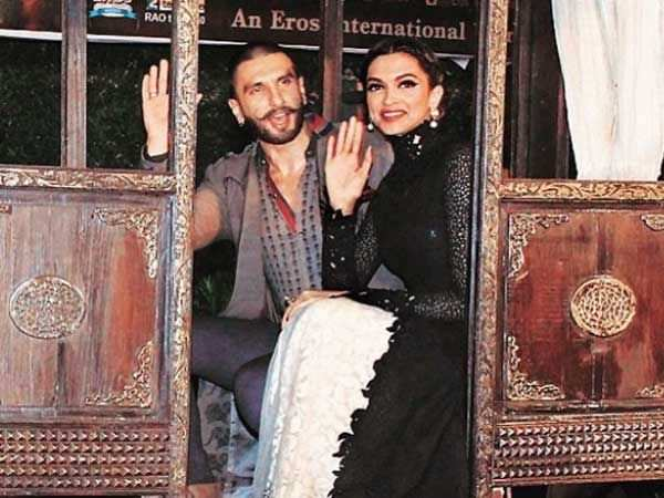 Ranveer Singh – Deepika Padukone ban cell phones at their Italy wedding?