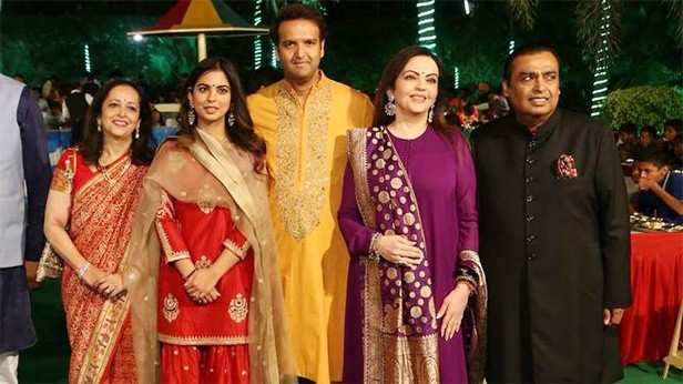 Isha Ambani, Anand Piramal, Mukesh Ambani, Neeta Ambani, Amitabh Bachchan, Lata Mangeshkar, Manish Malhotra