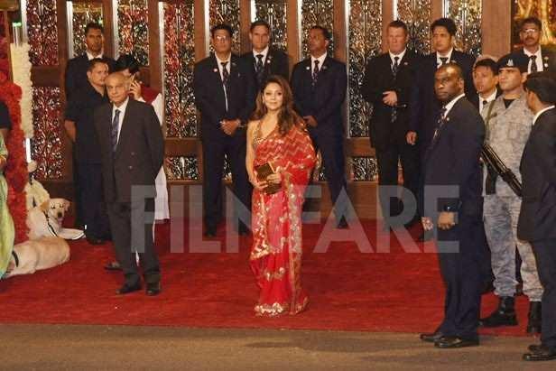 Shah Rukh Khan, Gauri Khan, Ishan Ambani, Anand Piramal