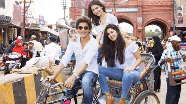 This year had a great line up of films and it has been a good year for Bollywood. Be it in terms of content or box-office collections, 2018 brought with it a mix of surprise hits and big budgeted flops. Shah Rukh Khan, Katrina Kaif and Anushka Sharma starrer Zero was one of the most awaited films of the year. A blockbuster star cast and the direction of Aanand L Rai, the audience was eager to watch this film that hit the theatres last Friday. On its opening day, the film earned Rs 20.14 crore that dropped to Rs 18.22 crore on Saturday. Zero then picked up pace on Sunday by raking in Rs 20.71 crore and further earned Rs 9.50 crore on Monday and Rs 12.75 crore on Tuesday. The film earned well on Christmas and now the total collections stand at an impressive Rs 81.32 crore.  The film has received mixed reviews, but everyone coming out of the theatres has something good to say about the performances of all the three lead actors in the film.