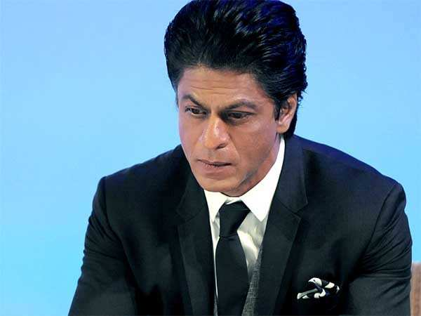 """I am very incomplete and I know that""- Shah Rukh Khan on being a superstar"