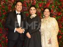 Bhavnanis make a grand entrance at DeepVeer's wedding reception