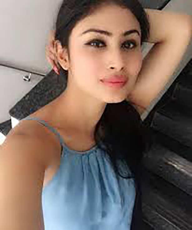 Alia Bhatt, Mouni Roy