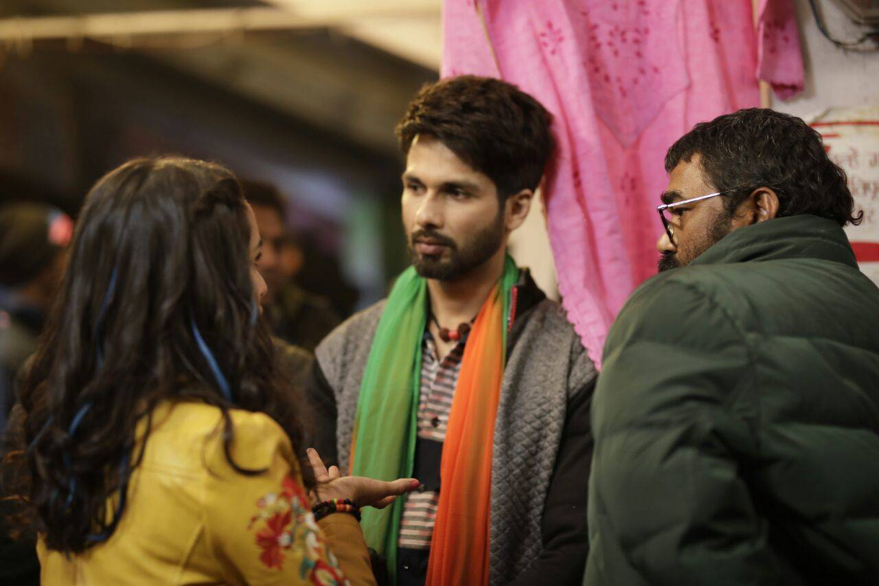 Check out Shahid Kapoor's look from the sets of Batti Gul Meter Chalu
