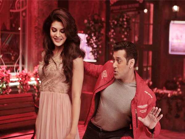 Beach Romance for Salman Khan and Jacqueline Fernandez in Race 3