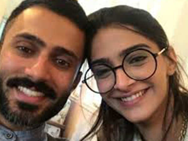 Aww! Sonam Kapoor posted a special Valentine's Day message for beau Anand Ahuja