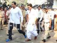 Shah Rukh Khan arrives at the cremation grounds where Sridevi's last rites will be performed