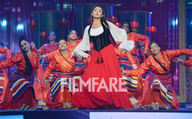 10 blockbuster highlights from the 62nd Jio Filmfare Awards