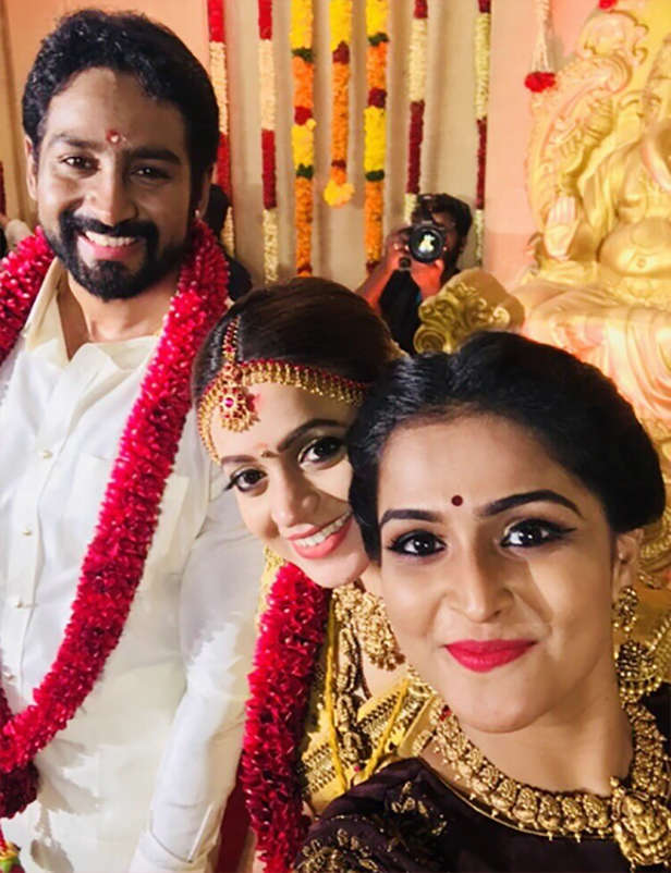 Malayam Actress Bhavana's wedding with beau Naveen looks straight out of a fairytale!