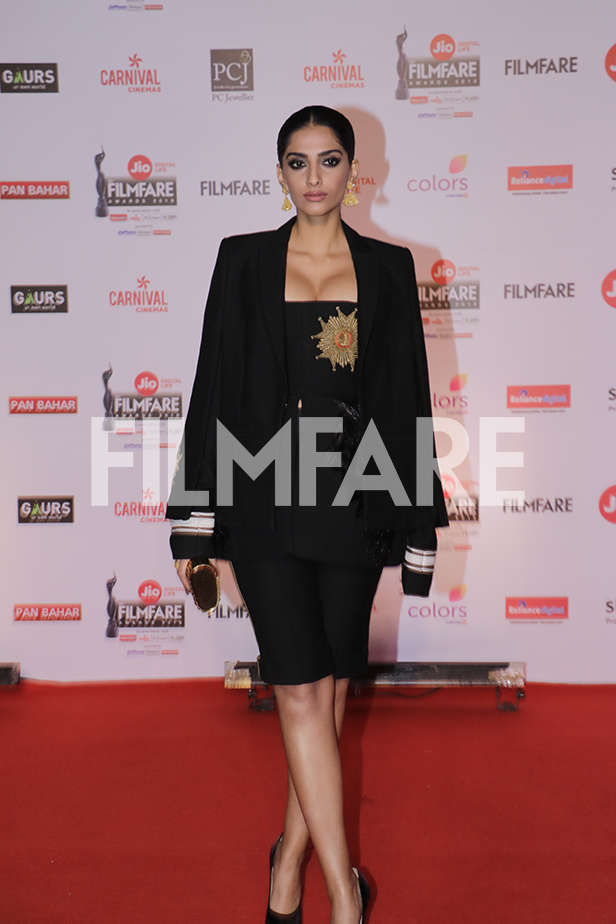 Best Dressed actresses from the 63rd Jio Filmfare Awards
