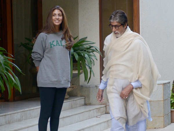 Amitabh Bachchan shares heart-warming pictures with daughter Shweta Bachchan Nanda!