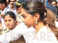 Photos: Deepika Padukone visits Siddhivinayak temple ahead of Padmaavat release