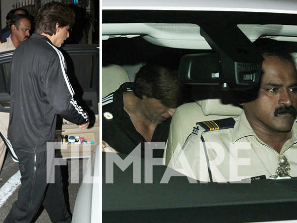 Shah Rukh Khan clicked outside a studio after prepping for the Jio Filmfare Awards