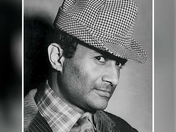 Dev saab said romance doesn't mean going to bed with a woman.- friend Mohan Churiwala on Dev Anand