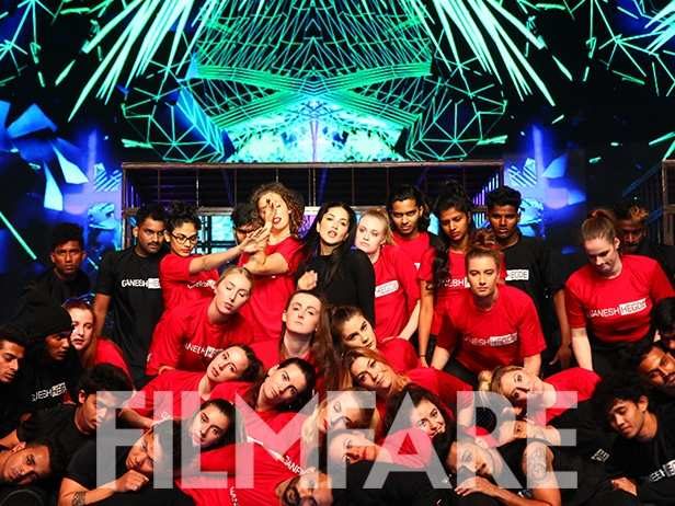 Exclusive! Sunny Leone sets the stage on fire as she rehearses for 63rd Jio Filmfare Awards