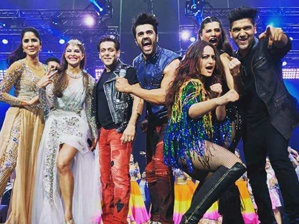 Dabangg Tour Reloaded: All inside pictures and videos