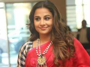 Vidya Balan to work in the Hindi remake of Tamil film 36 Vayadhinile?