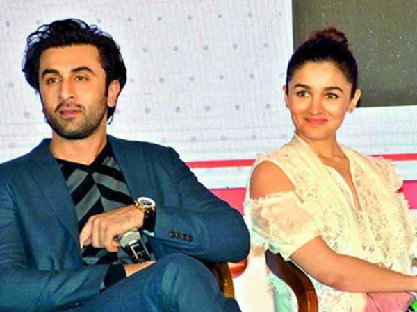 Alia Bhatt gushes about beau Ranbir Kapoor's performance in Sanju