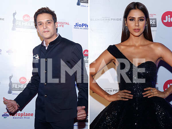 Jimmy Sheirgill & Sonam Bajwa turn up the heat at the Jio Filmfare Awards (Punjabi) 2018