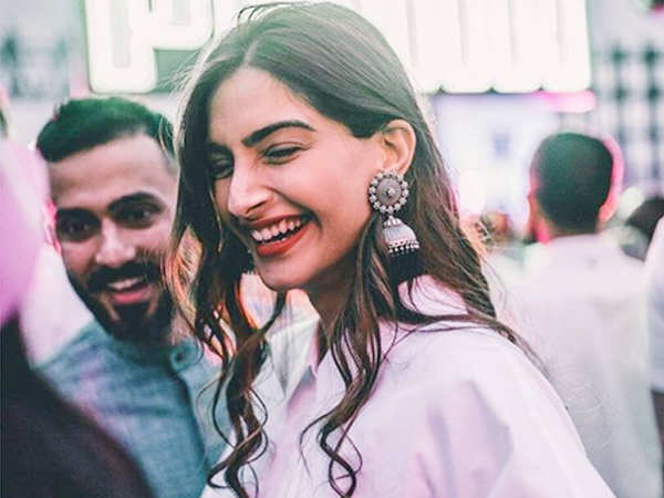 Sonam Kapoor talks about what makes her happy and beau Anand Ahuja