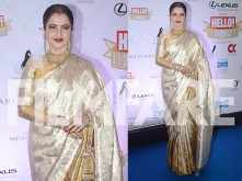 Timeless diva Rekha looks stunning at the Hello Hall of Fame Awards 2018