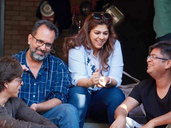Latest stills! Shah Rukh Khan and Aanand L Rai on the set of Zero