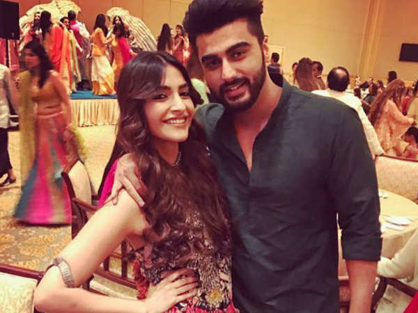 Arjun Kapoor visits cousin Sonam Kapoor amidst her wedding preparations