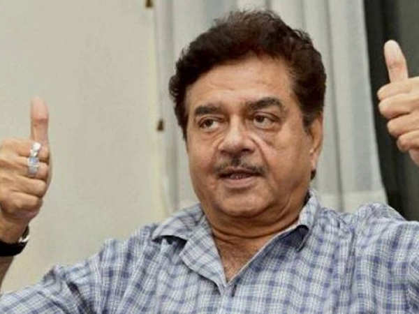 Filmfare has a fun rapid fire with veteran actor Shatrughan Sinha