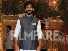 Harshvardhan Kapoor looks like the perfect host for Sonam Kapoor's Mehendi