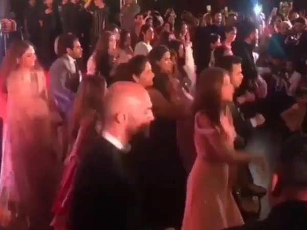 Sonam and Anand Ahuja's friends dance their heart out on Swag Se Swagat