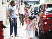 Sara Ali Khan and Saif Ali Khan step out together after a long time