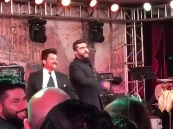 Ranveer Singh, Anil & Arjun Kapoor dance all night at Sonam's reception
