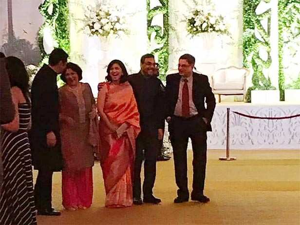 Inside pictures and videos deepveer reception