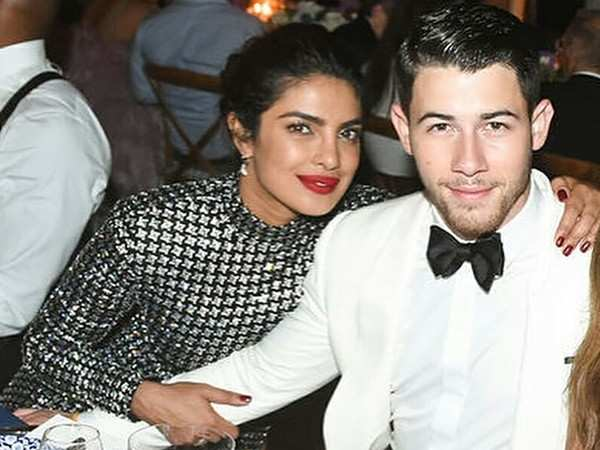 Nick Jonas' phone wallpaper shows he's madly in love with Priyanka Chopra