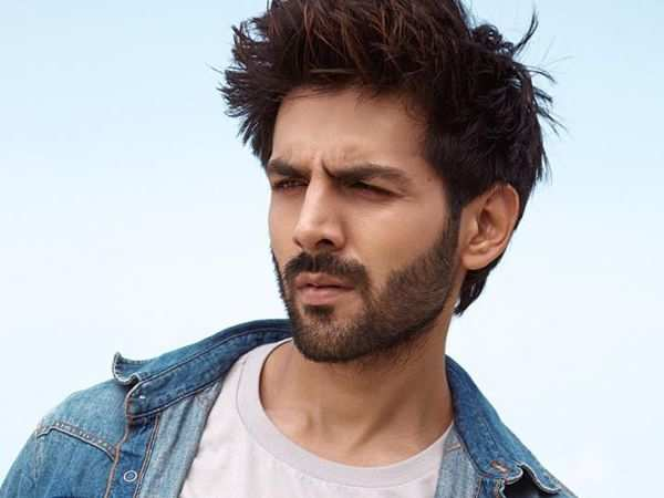 Kartik Aaryan signed by Jab We Met filmmaker Imtiaz Ali