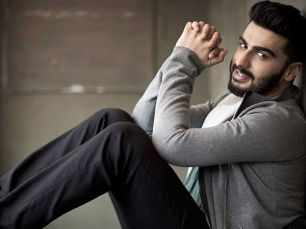 Arjun Kapoor hits back on a troll who called him a 'molester'