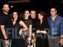 Akshay Kumar rings in his 51st birthday with Twinkle Khanna & close friends