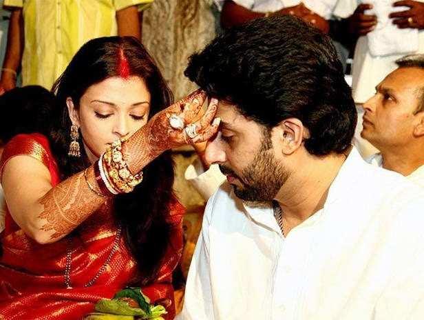 15 pictures of Aishwarya Rai and Abhishek Bachchan that radiate love