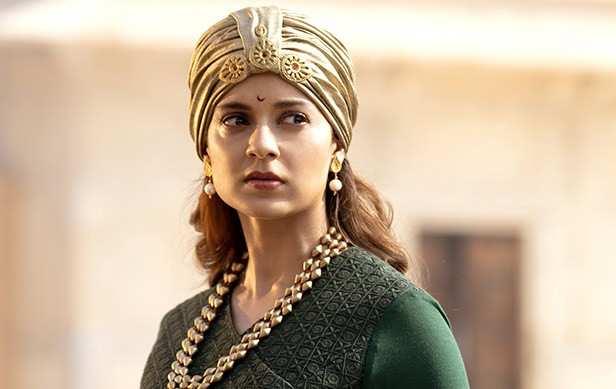 Alia Bhatt reacts to Kangana Ranaut's 'mediocre' comment