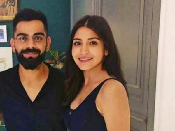 Virat Kohli and Anushka Sharma play host to team RCB