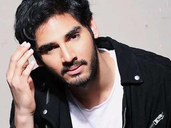 Ahan Shetty kick-starts shooting for the Hindi remake of RX100