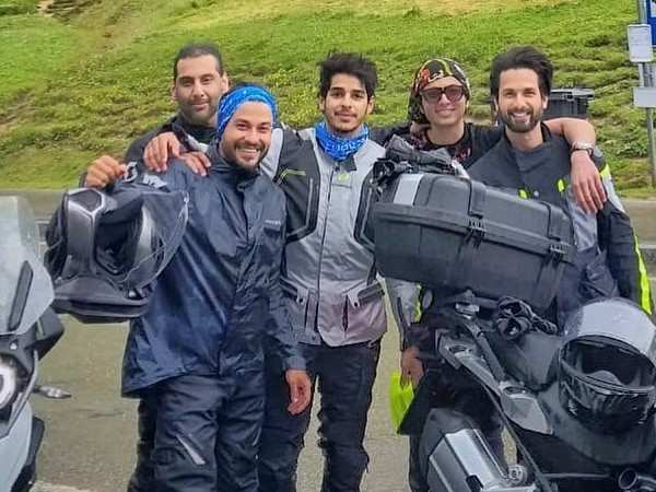 Kunal Kemmu is enjoying his time in the Alps with Shahid Kapoor and Ishan Khatter