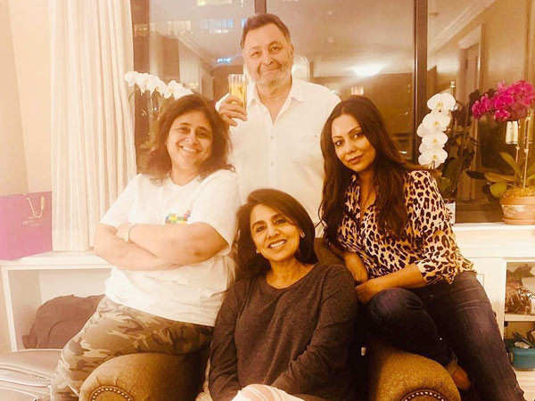 Photo Alert! Gauri Khan visits Rishi Kapoor in NYC