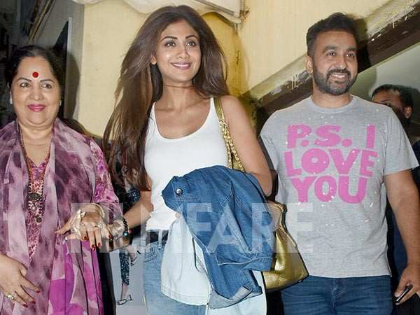 Shilpa Shetty Kundra spotted having a chill movie night with
