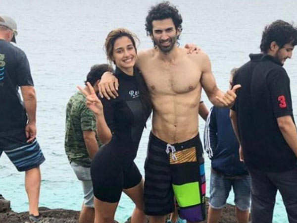 Disha Patani and Aditya Roy Kapur to kiss underwater in Malang