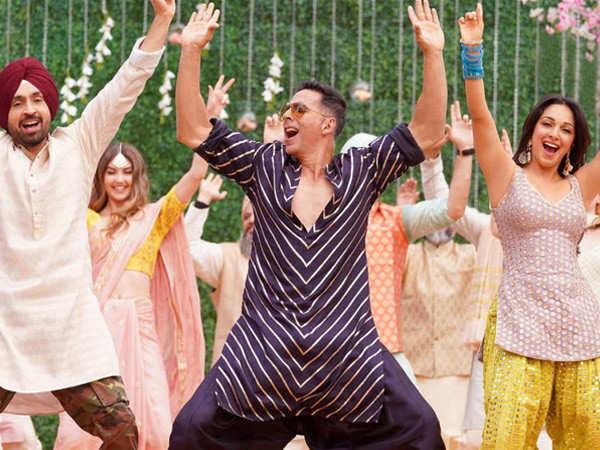 Kiara Advani shares some BTS moments from the sets of Good Newwz
