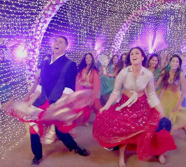 Good Newwz's song Laal Ghagra will make you break out into ...
