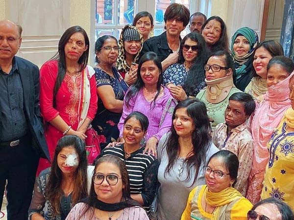 If we keep trying, we shall overcome: Shah Rukh Khan lends support to acid-attack survivors